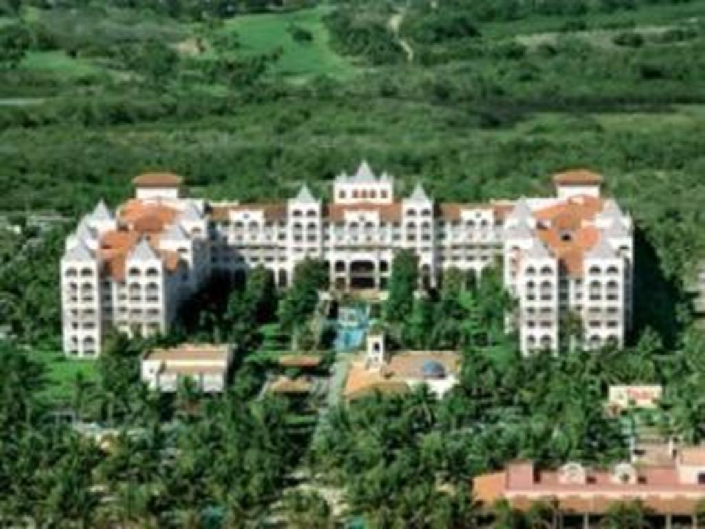 Riu jalisco 24h hotel nuevo vallarta ofertas de ltimo for Habitacion familiar hotel riu vallarta