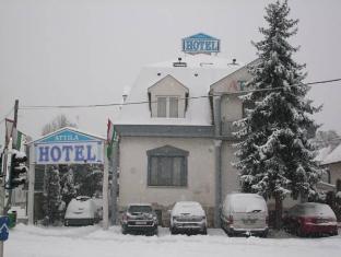 Attila Hotel and Restaurant Budapest - Exterior