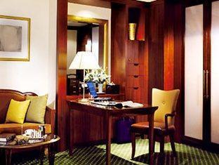 JW Marriott Shanghai Hotel - Room type photo