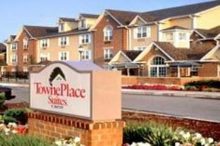 TownePlace Suites By Marriott Brookfield Hotel