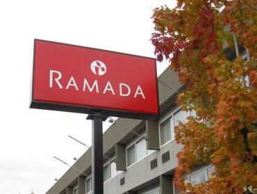 Ramada Vancouver Exhibition Park Hotel Vancouver (BC) - Exterior