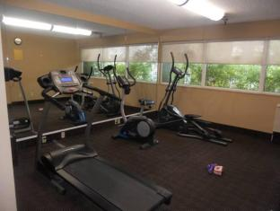 Ramada Vancouver Exhibition Park Hotel Vancouver (BC) - Fitness Room
