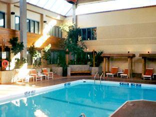Travelodge winnipeg east winnipeg mb canada - North east hotels with swimming pool ...