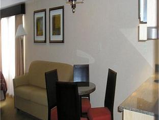 Holiday Inn 67 Street Hotel Red Deer (AB) - Suite Room