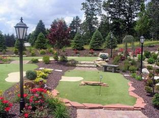 Holiday Inn Express Hotel & Suites Sharon-Hermitage West Middlesex (PA) - Garden