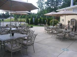 Holiday Inn Express Hotel & Suites Sharon-Hermitage West Middlesex (PA) - Surroundings