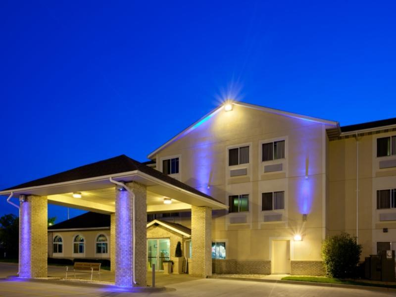 Holiday Inn Express Lincoln Hotel Lincoln (IL)