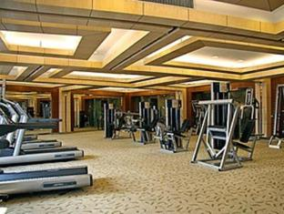 Hua Ting Hotel And Towers Shanghai - Ruangan Fitness
