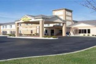 Holiday Inn Express Celina Hotel