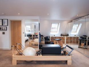 Veeve  4 Bed House With Pilates Studio Fauconberg Road West London