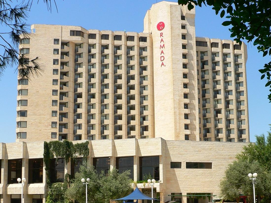 Ramada hotel convention center central bus station for Hotels jerusalem