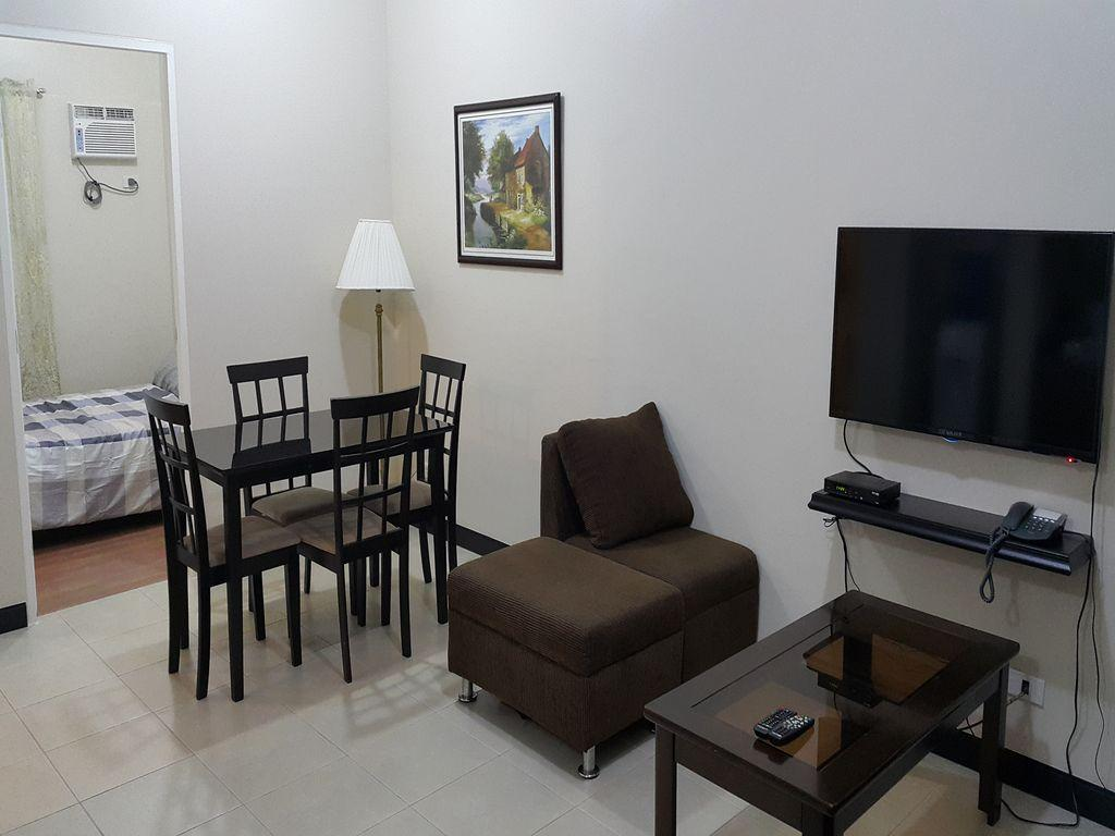 Penthouse Tivoli Garden Apartment - Hotels and Accommodation in Philippines, Asia