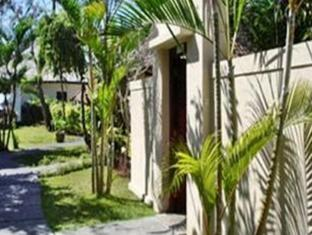 The Benoa Beach Front Villas Bali - Garten