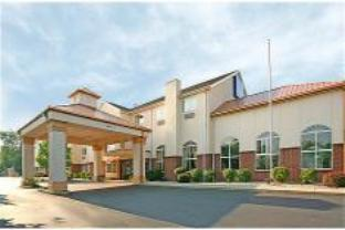 Holiday Inn Express And Suites Sharonville Hotel