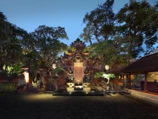 Puri Santrian Beach Resort & Spa Bali - Entrance