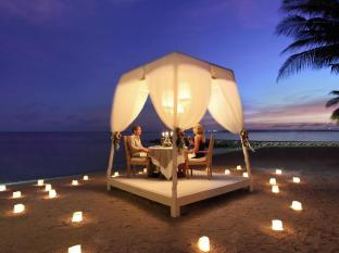 Puri Santrian Beach Resort & Spa Bali - Romantic Dinner