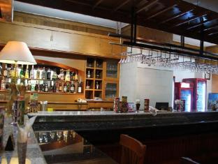Inna Grand Bali Beach Hotel Bali - Food, drink and entertainment