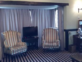 The Lakehouse Hotel - Guest Room