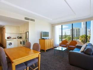 Crowne Plaza Hotel Gold Tower Surfers Paradise Gold Coast - Guest Room