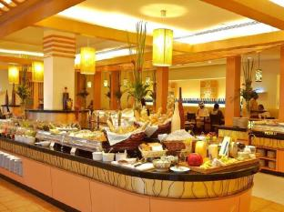 Hotel Istana Kuala Lumpur City Center Куала-Лумпур - Шведский стол