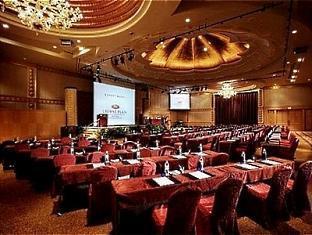 Crowne Plaza Mutiara Kuala Lumpur Kuala Lumpur - Grand Nirwana Ballroom - Classroom Seating
