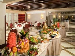 Restaurant - Grand Zamzam Hotel