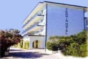 Tennis Hotel