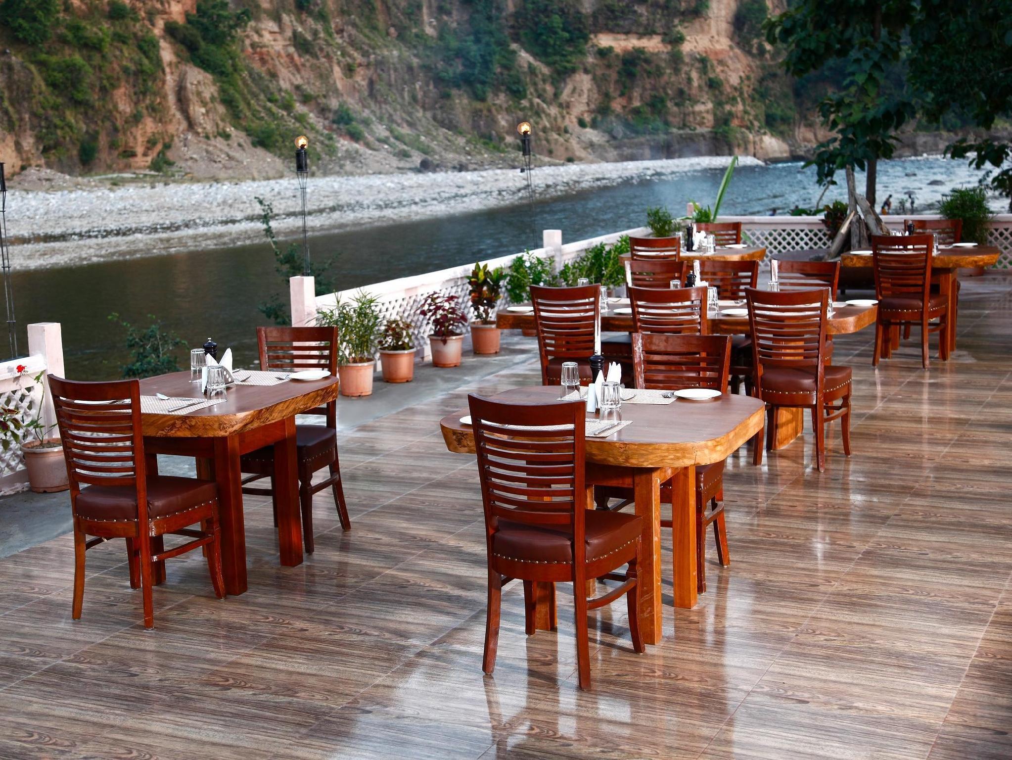 Corbett Riverside Resort - Hotell och Boende i Indien i Corbett
