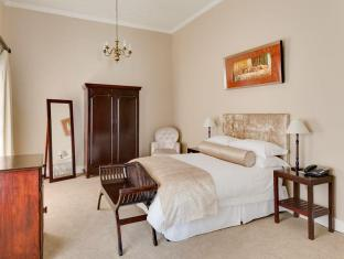 Protea Hotel Dorpshuis and Spa Stellenbosch - Gästrum