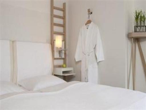 ➦  Nordic Hotels    customer rating
