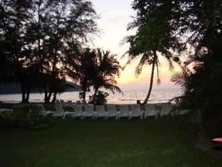Pangkor Island Beach Resort Pangkor - Garden