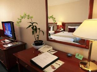 Evergreen Laurel Hotel Penang - Hotellihuone