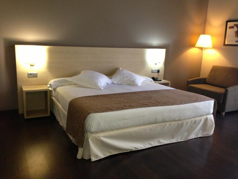 Husa Via Barcelona Hotel