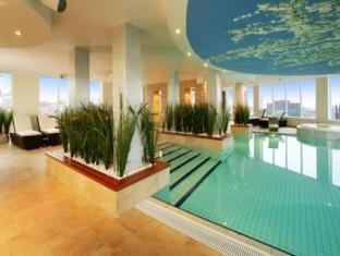 Nordic Hotel Forum Tallinn - Swimming Pool