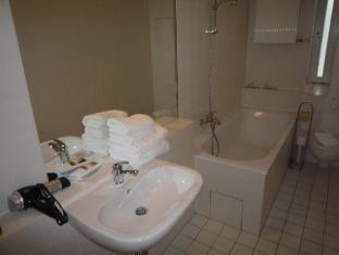 Hotel Aparotel Berlin Schloss Charlottenburg Berlin - Bathroom