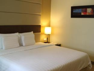 Summit Circle Cebu Cebu City - Double Deluxe