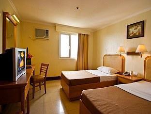 Diplomat Hotel - Room type photo