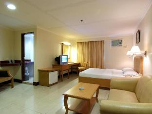 Diplomat Hotel סבו - חדר שינה