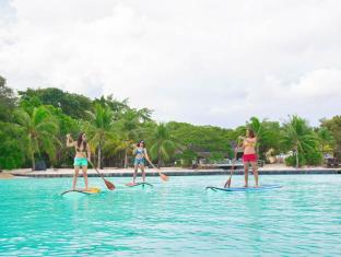 Plantation Bay Resort & Spa Cebu - Stand Up Paddle boarding