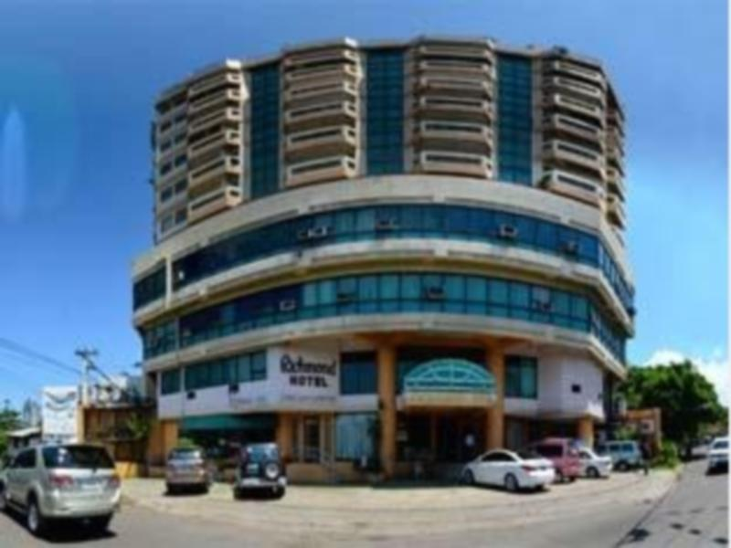 Richmond Plaza Hotel Cebu - Hotellet udefra