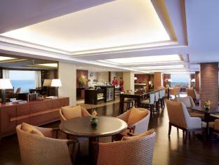 Shangri-La's Mactan Resort and Spa Cebu Mactan Island - Ocean Club Lounge