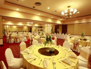 Waterfront Airport Hotel and Casino Cebu - Function Room