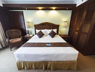Waterfront Airport Hotel and Casino Mactan Mactan Insel - Suite
