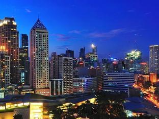 Mandarin Oriental Manila Hotel Manila - Makati at night