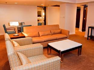 Century Park Hotel Manila - Gästezimmer