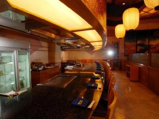 Century Park Hotel مانيلا - المطعم