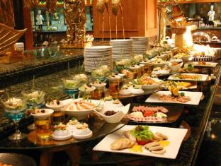 Century Park Hotel Manila - Food and Beverages