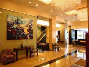 Century Plaza Hotel And Spa Vancouver - Vestíbulo