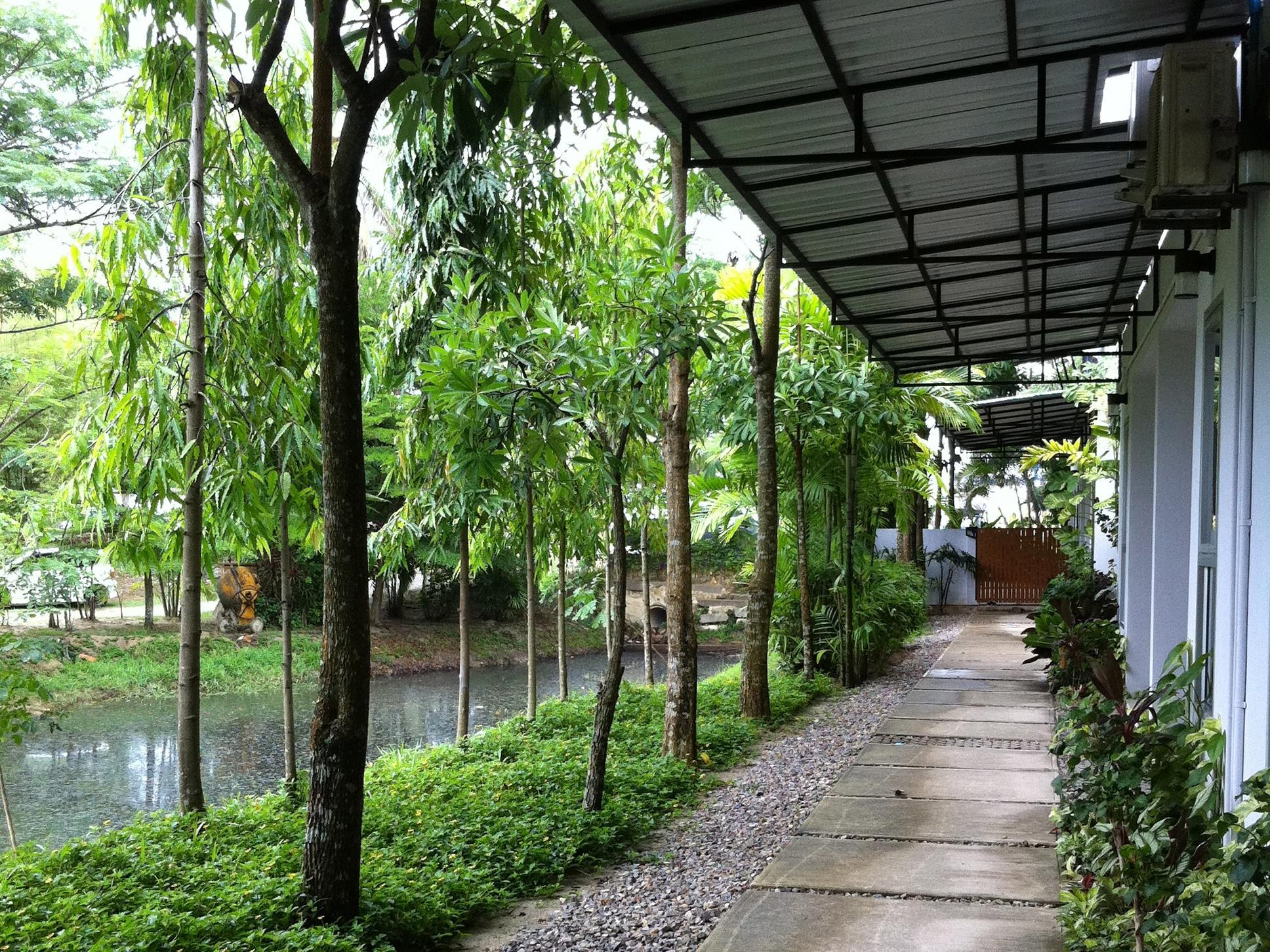 Apartment Chaofa West On The Pond - Hotell och Boende i Thailand i Asien