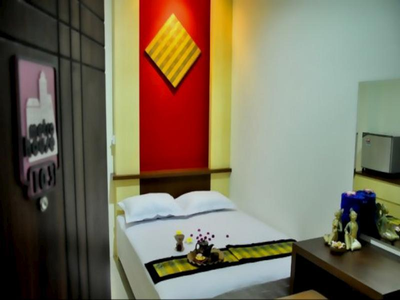 Metro House - Hotels and Accommodation in Indonesia, Asia